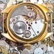 Mechanizm napędowy zegarka