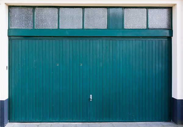 Drzwi garażu z blachy